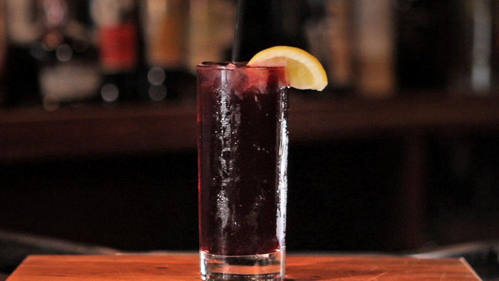 Коктейль вино с колой