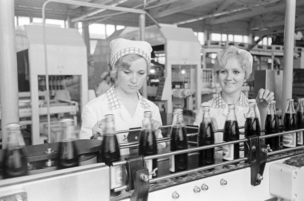 Производство «пепси-колы»
