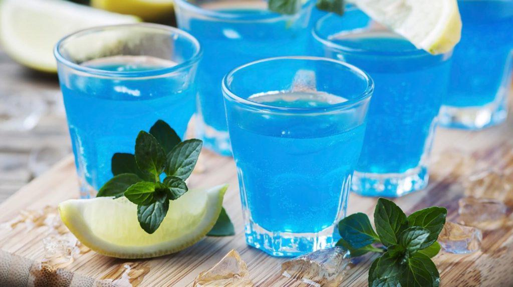 Коктейли с «Blue Curacao»